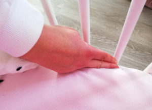 Baby Crib Mattress home fitting test - two fingers test