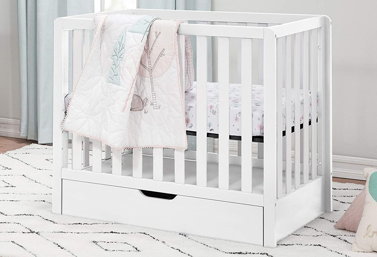 Carter's by DaVinci Colby Convertible Mini Crib Review